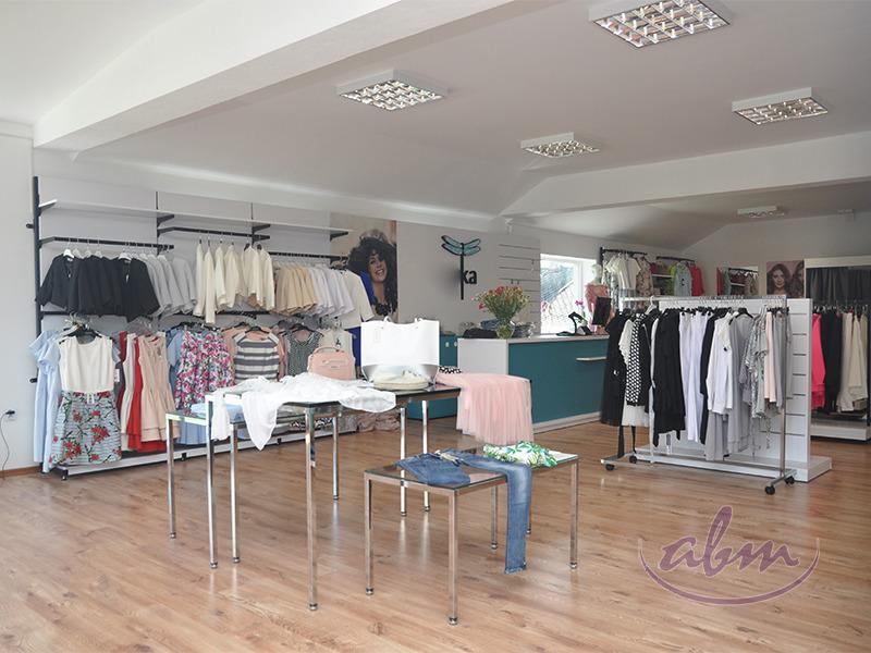 69b27b4b3a679d Nowoczesny, pełen energii sklep odzieżowy w Wadowicach