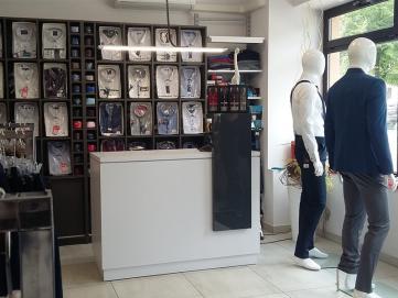 Мебель для магазина с мужской одеждой