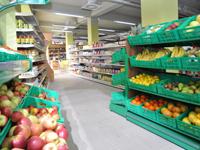 Wyposażenie stoiska warzywnego – meble, które sprzedają
