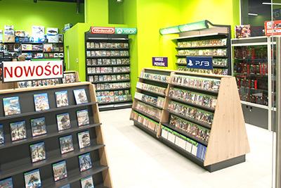 Wyposażenie sklepu z grami komputerowymi i na konsole