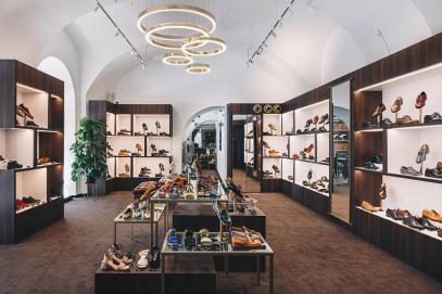 Projekt i realizacja sklepu obuwniczego
